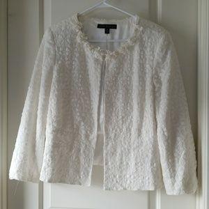 An elegant laced blazer